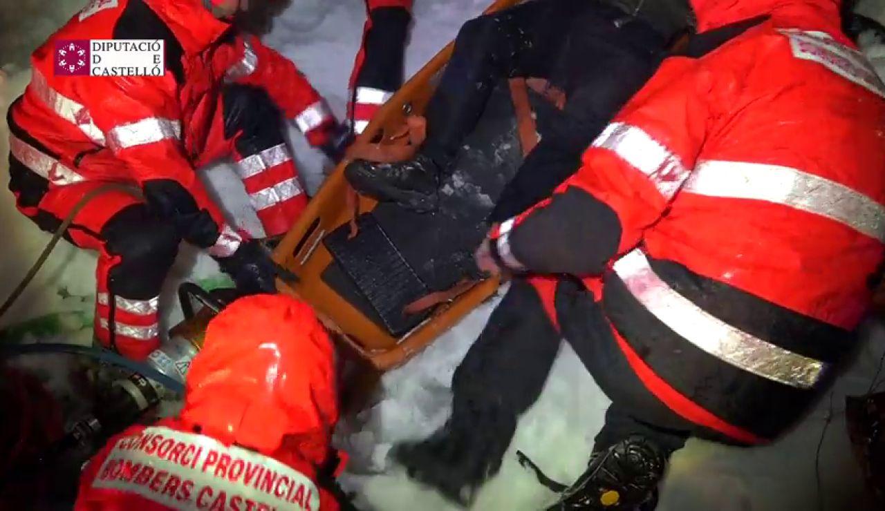 Rescatan a un hombre que buscaba a un familiar desaparecido en Morella durante el temporal