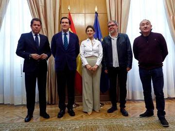 La ministra de Trabajo con los dirigentes de patronales y sindicatos