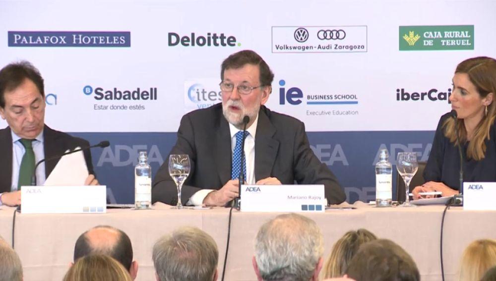 """Rajoy sobre el Gobierno de coalición: """"Esperemos que el daño a España no sea excesivo"""""""