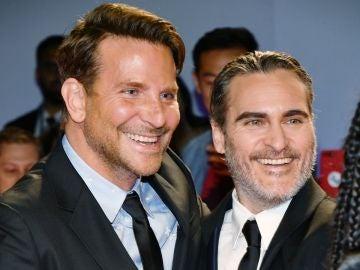 Bradley Cooper y Joaquin Phoenix