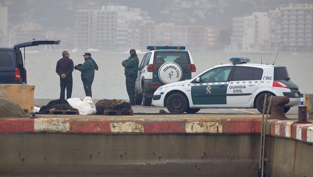 Agentes en el Puerto de Palamós