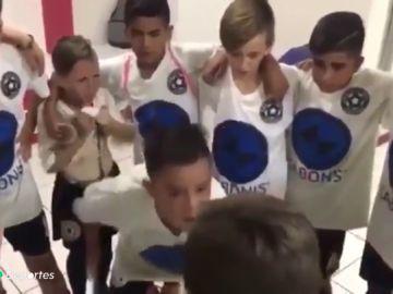 """La espectacular arenga de un niño que emociona a Argentina: """"¡No quiero perder a ninguno de ustedes porque son mis hermanos!"""""""