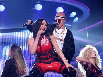 Gemeliers perrean al ritmo de 'Mayores' como Becky G y Bad Bunny