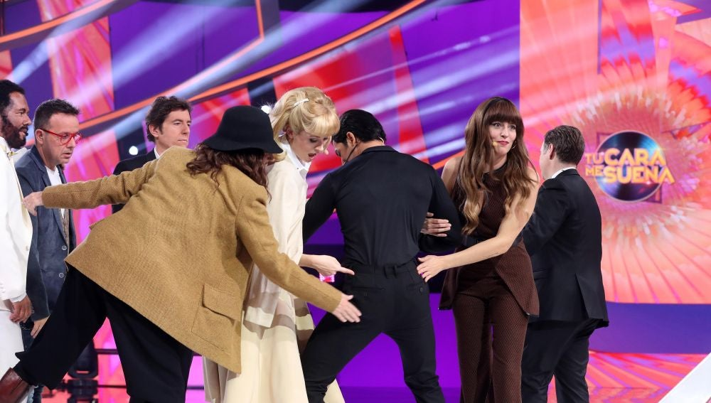 Jorge González protagoniza un momento inédito en 'Tu cara me suena': el jurado, en pie y 'derretido' ante una magnífica actuación