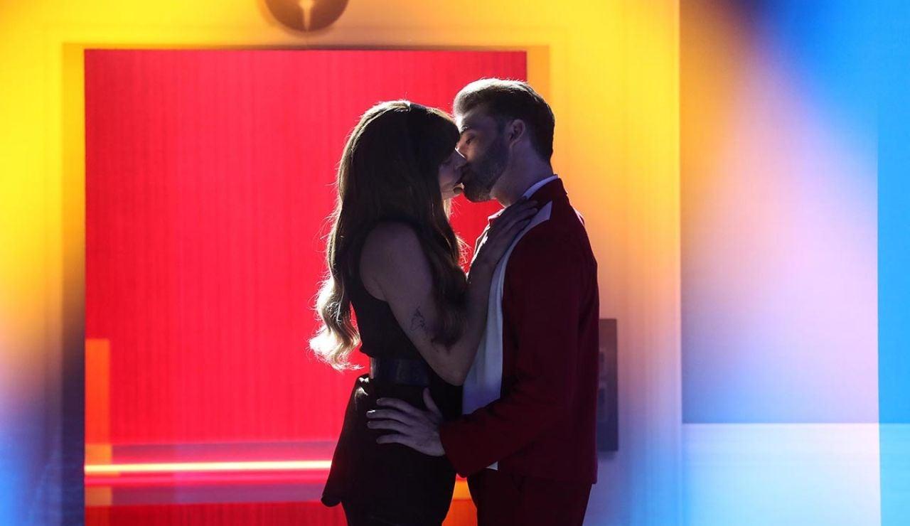 Esta noche 'nada sale mal' con Aitana, John Travolta y Bobby McFerrin en la tercera gala de 'Tu cara me suena'