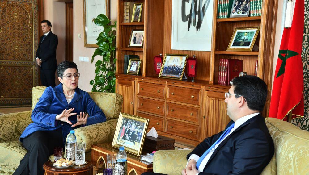 La ministra de Exteriores de España junto a su homólogo de Marruecos