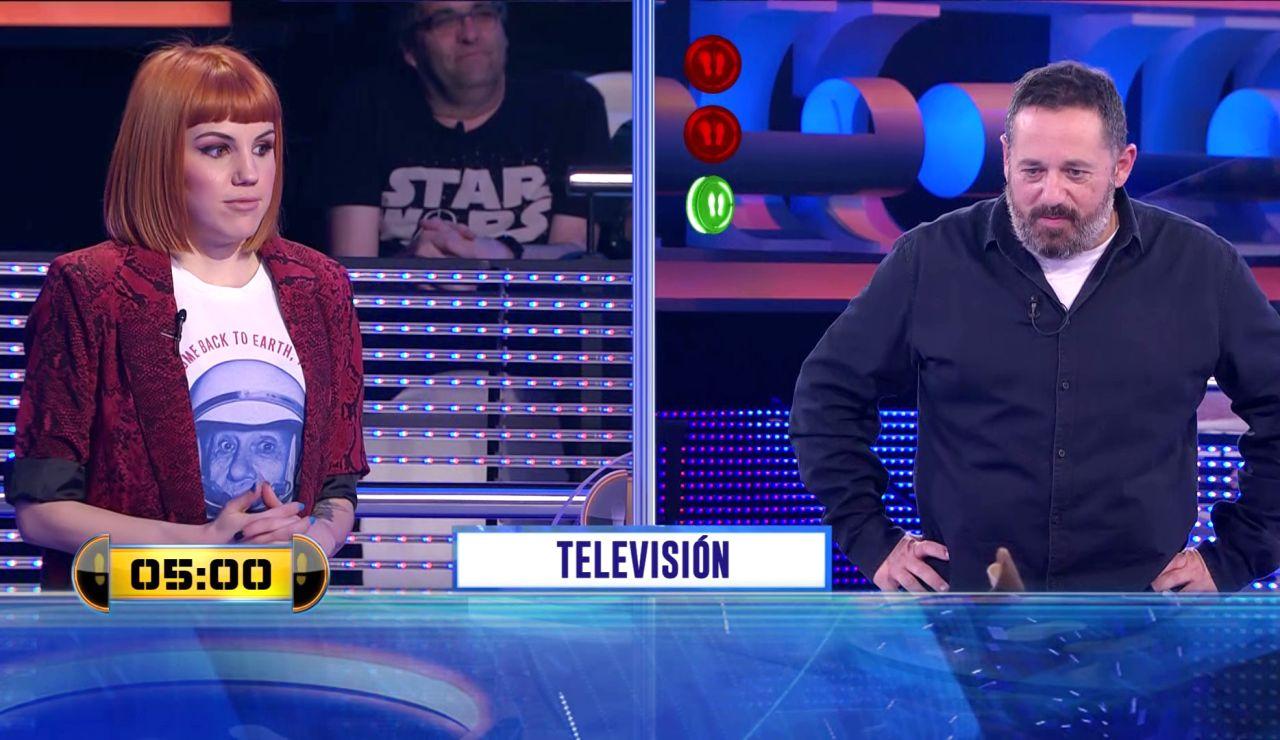 Una presentadora esencial en la historia de Antena 3 protagoniza este 'Adivina' de '¡Ahora caigo!'