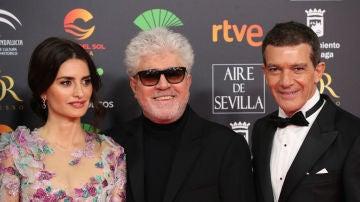 Penélope Cruz, Pedro Almodóvar y Antonio Banderas