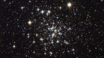 Imagen de estrellas en el firmamento