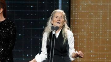 Benedicta Sánchez en los Goya 2020 tras recibir el premio a Mejor Actriz Revelación por 'Lo que arde'
