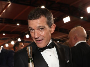 Antonio Banderas con su Goya a Mejor Actor por 'Dolor y gloria'