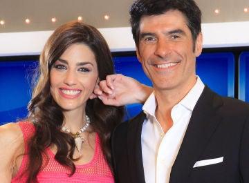 Laura Moure y Jorge Fernández, presentadores de 'La ruleta de la suerte'