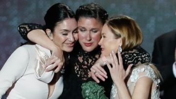 Celia Flores, María y Tamara Esteve, hijas de Marisol (Pepa Flores)