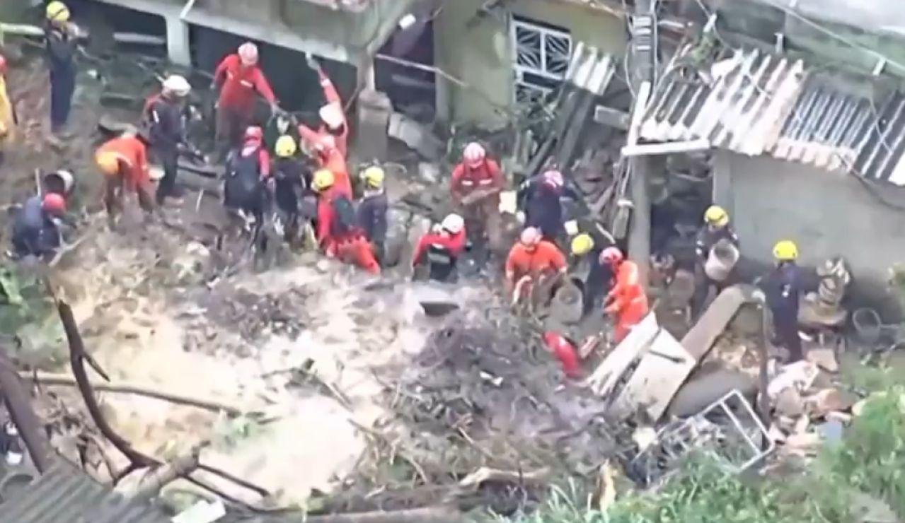 Al menos 44 muertos por lluvias torrenciales en Brasil