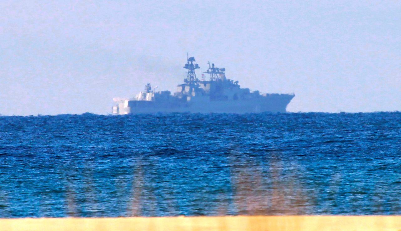 Los buques de la Armada 'Tofiño' y 'Relámpago' en Algeciras