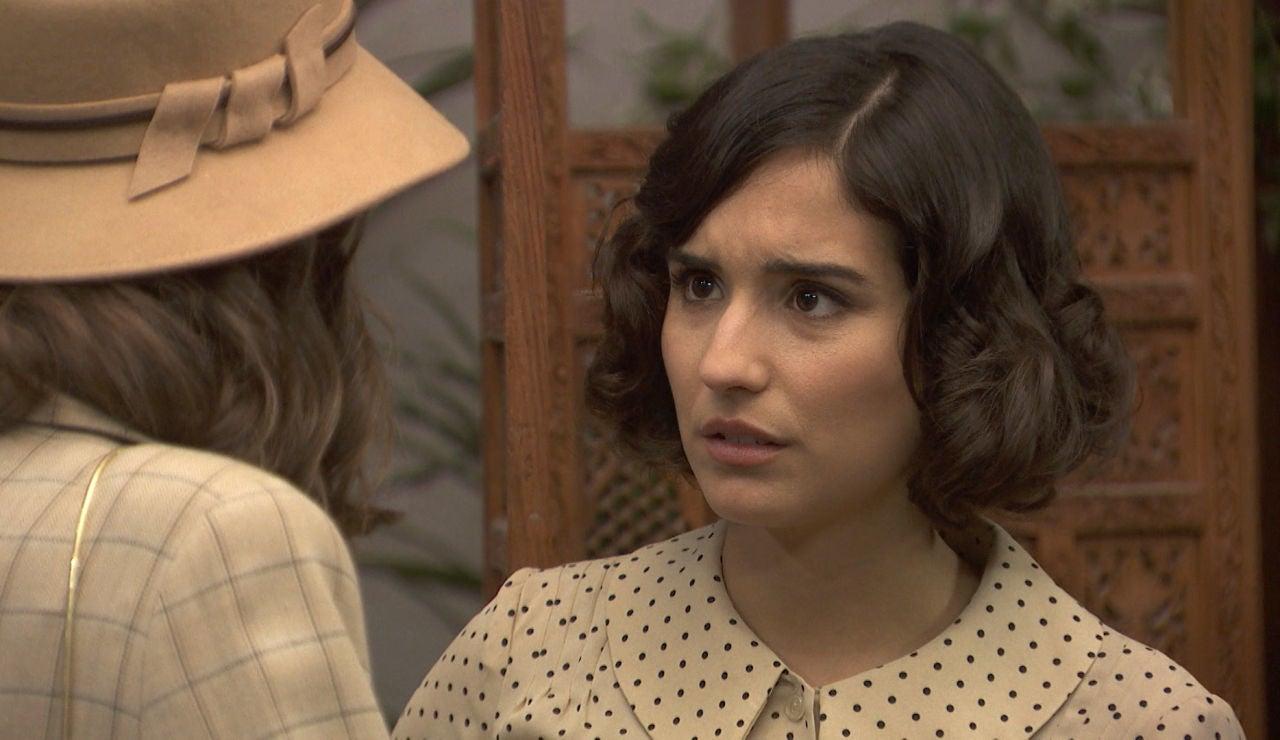 Rosa arrincona a su hermana para desvelar su secreto