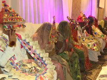 80 bodas de parejas sin recursos en Pakistán