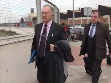 """Comienza el macrojuicio contra Manos Limpias con Miguel Bernat acusando a las """"cloacas del Estado"""""""