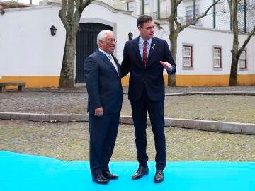 Pedro Sánchez, con el primer ministro de Portugal, Antonio Costa