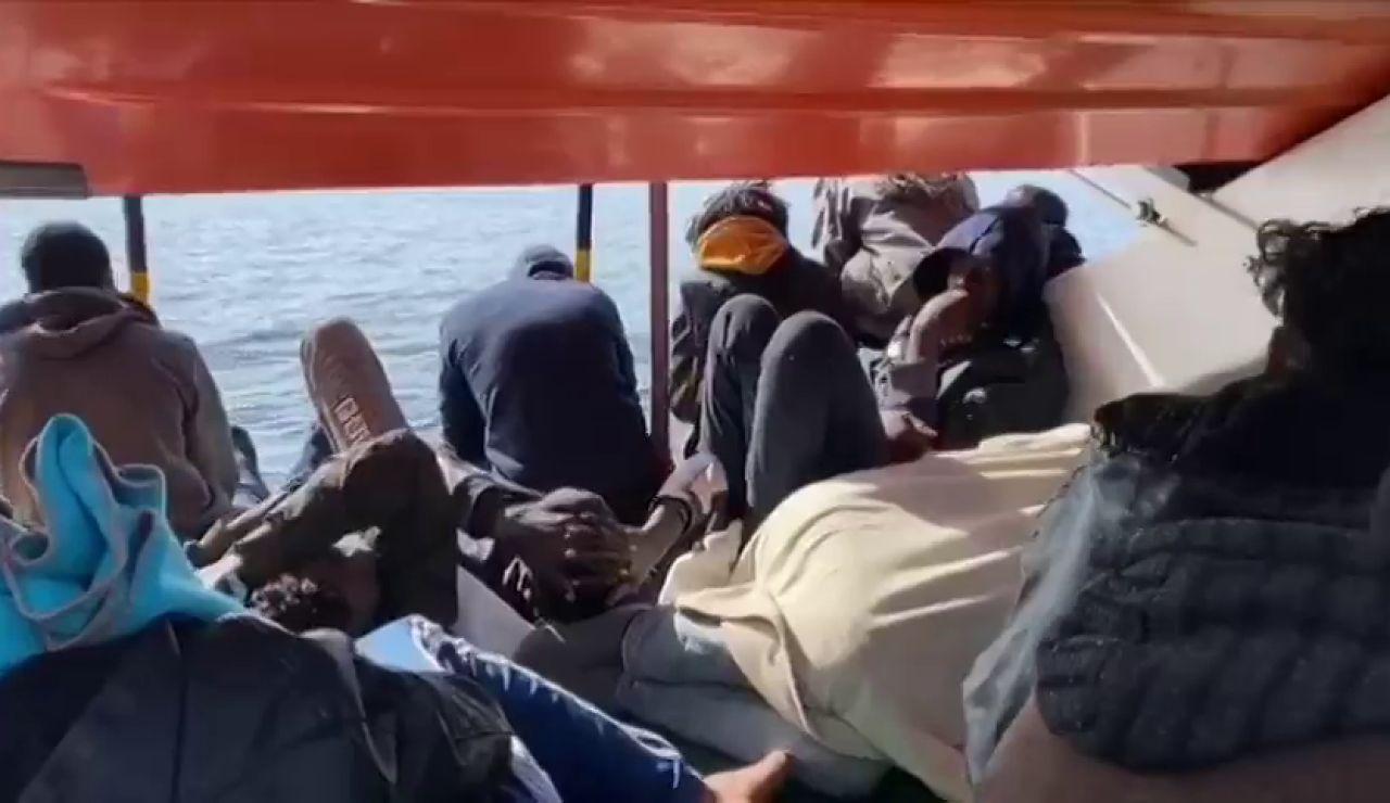 El Open Arms, con 363 migrantes, denuncia que Malta les haya negado un puerto hasta en tres ocasiones