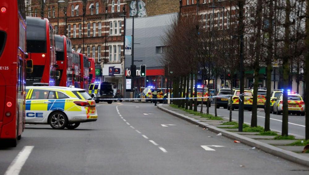 Policía británica en el barrio de Streatham (Londres)