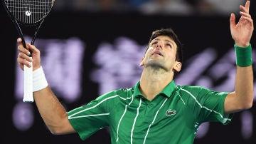 Djokovic celebra un punto ante Thiem