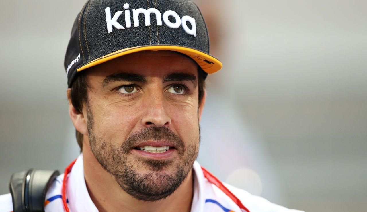 Fernando Alonso, esbozando una pequeña sonrisa