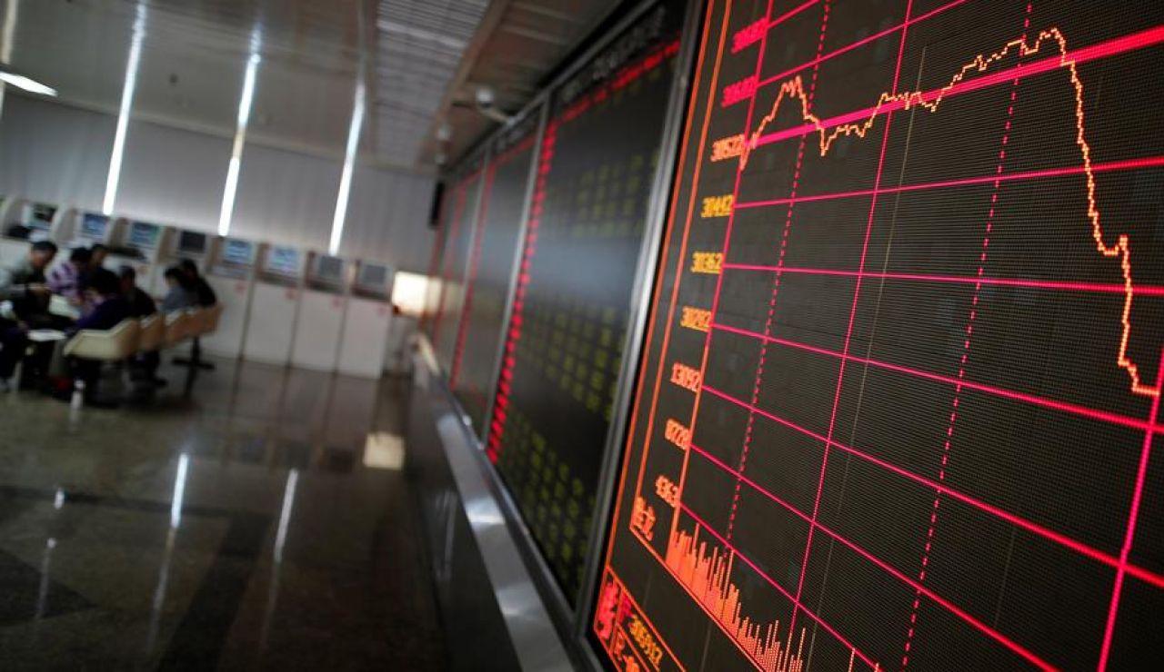 Los mercados de la China continental se desploman al volver a cotizar