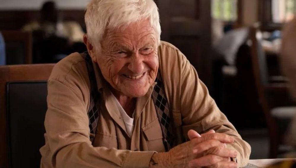 Orson Bean como Roy Bender en 'Mujeres Desesperadas'