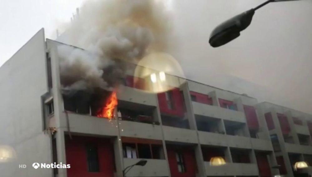 Una persona ha resultado herida leve en el incendio de una vivienda de Bilbao