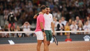 Federer vence a Nadal en un partido con récord de asistencia