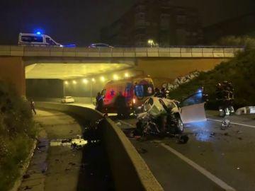 Muere una mujer de 38 años tras salirse su coche de la vía y caer desde ocho metros de altura