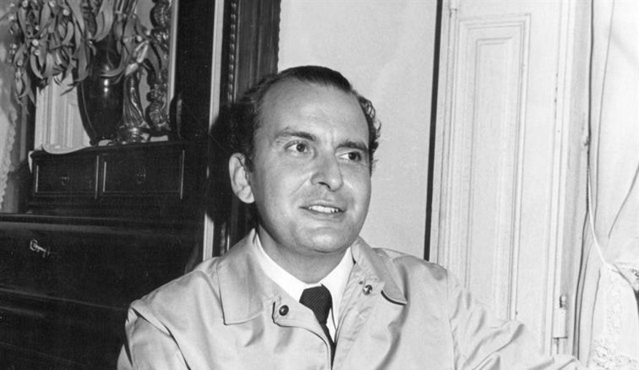 Retrato de 1974 del escritor e historiador Carlos Rojas