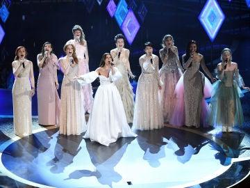 Gisela sobre el escenario de los Oscar