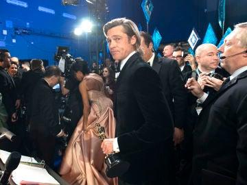 Brad Pitt tras ganar el Oscar a Mejor Actor de Reparto