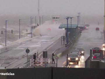 REEMPLAZAR La tormenta del siglo: 'Ciara' arrasa el norte y centro de Europa con fuertes lluvias y vientos huracanados