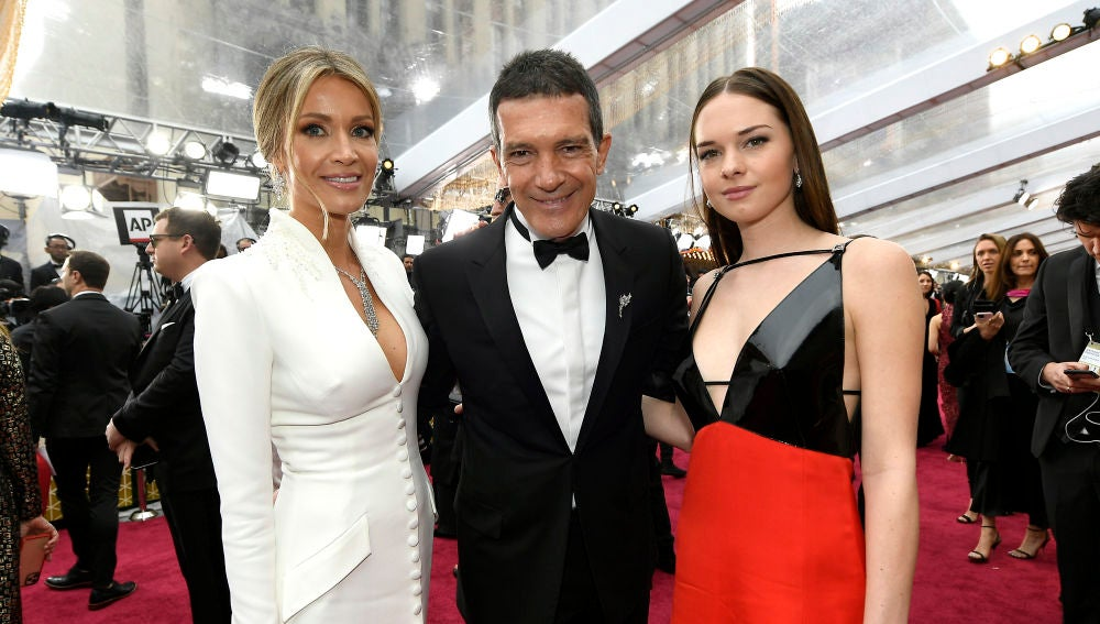 Antonio Banderas con su hija Stella y su novia Nicole de fiesta
