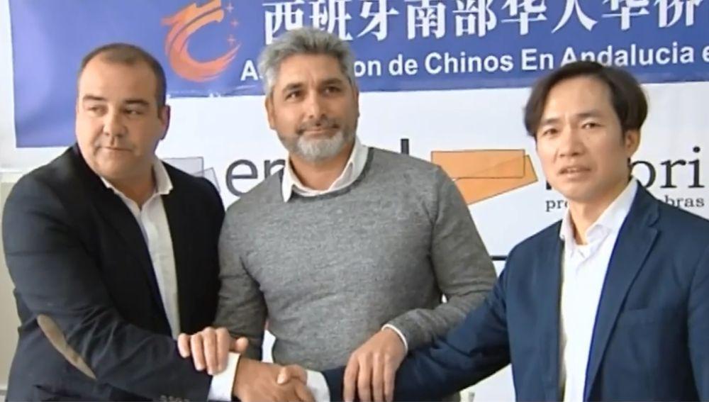 Encuentro entre la comunidad china y española promovido por Juan José Cortés