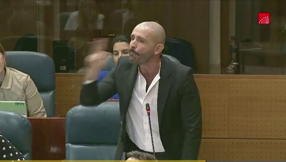 Bronca en la Asamblea de Madrid por el pin parental