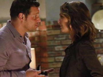 Alex Karev (Justin Chambers) y Jo (Camilla Luddington) en 'Anatomía de Grey'