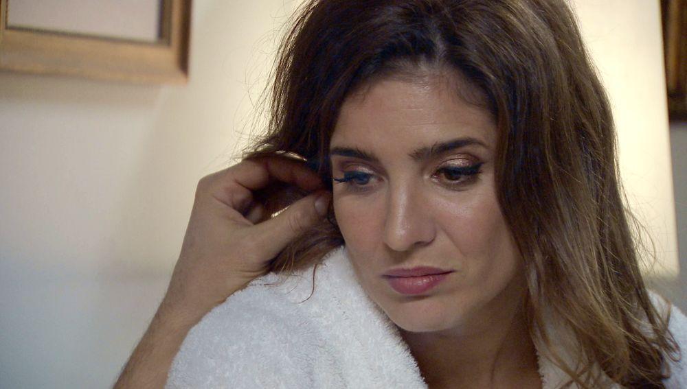Irene, desolada por la culpa al pensar en su hermana Julia