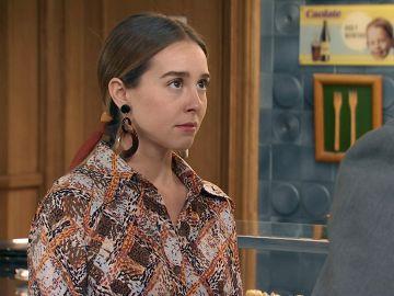 Sebas sorprende a Luisita detrás del ataque a la policía