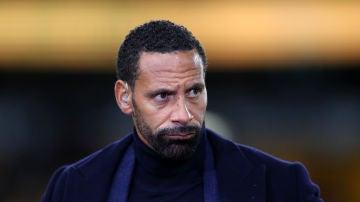 Rio Ferdinand se burla del City en Twitter