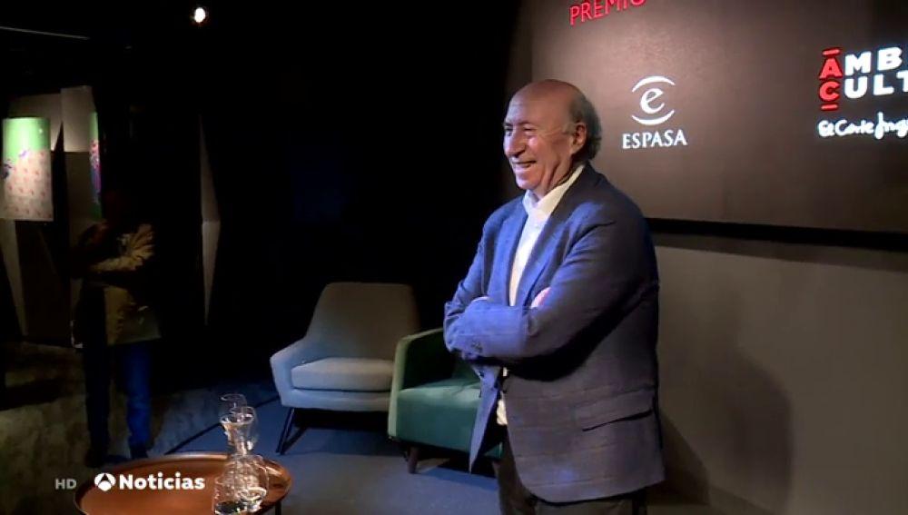 El escritor y dibujante José María Pérez, Peridis, Premio Primavera de Novela