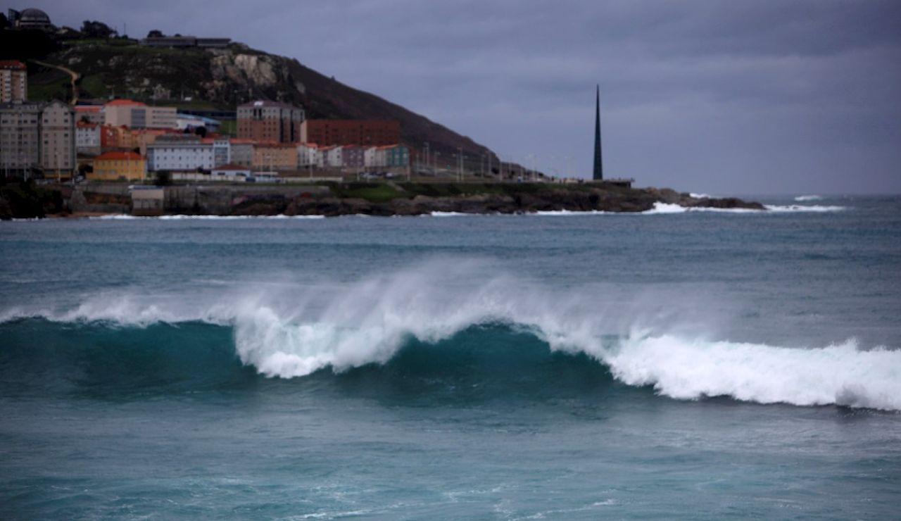 Fuerte oleaje en la costa coruñesa