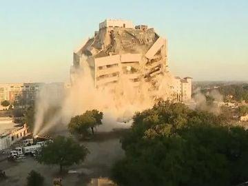 Demolición edificio en Dallas