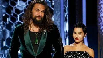Jason Momoa y Zoë Kravitz en los Oscar