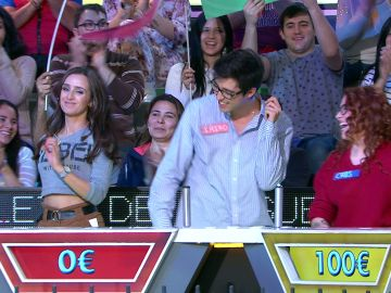 Los concursantes de 'La ruleta de la suerte' bailan al ritmo de 'Cúbrele de besos'