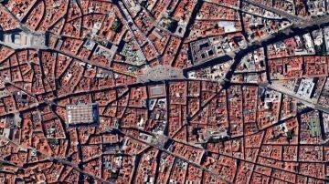El centro de Madrid, desde el satélite. Destacan la Puerta del Sol y la Plaza Mayor.