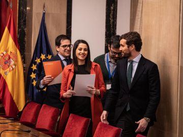 Pablo Casado e Inés Arrimadas negocian cómo presentarse en las elecciones de País Vasco, Galicia y Cataluña